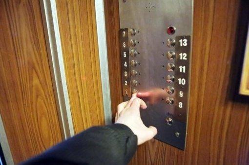 Apie 20 procentų liftų senos statybos daugiabučiuose yra avarinės būklės