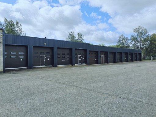 Šiaulių ugniagesiai gelbėtojai džiaugiasi atnaujintais garažais