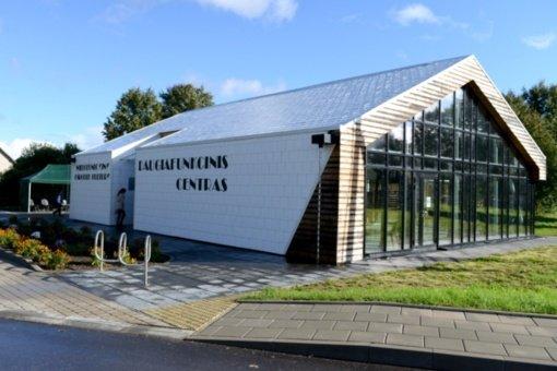 Marijampolio kaime duris atvėrė atnaujintas kultūros centras