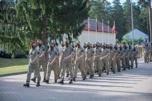Į tarnybą grįžta septyni nuo COVID-19 pasveikę Kęstučio bataliono kariai