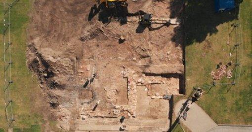 Bažnyčios archeologiniai tyrimai: pasidžiaugta pirmaisiais atradimais