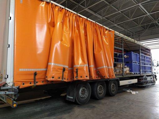Pašto siuntas gabenusiame vilkike rasta beveik pusės milijonų eurų vertės kontrabandos