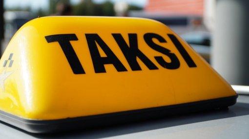 Ukmergės rajone vyrai sumušė juos vežusį taksi vairuotoją