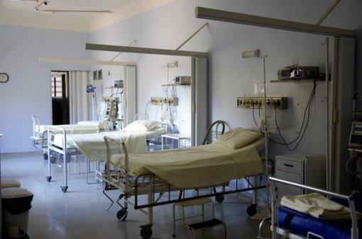 A. Veryga: gyvybinių funkcijų monitoriai iš ligoninių surenkami norint juos sukomplektuoti