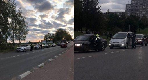 Elektrėnų pareigūnai tikrino vairuotojų blaivumą