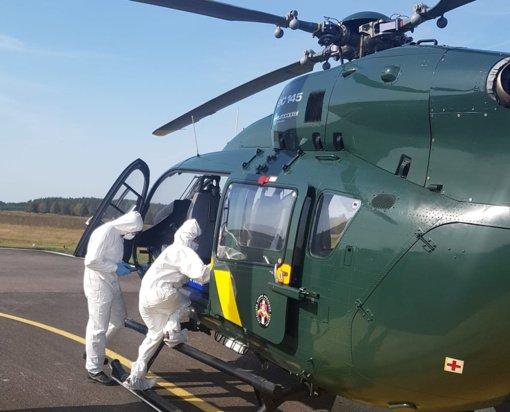 Pratybų metu iš pasieniečių sraigtasparnio tikrintas radioaktyvios spinduliuotės lygis