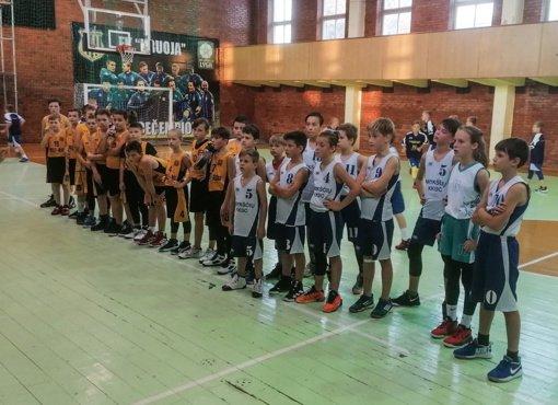 Anykščių KKSC krepšininkai dramatiškoje kovoje užėmė trečią vietą