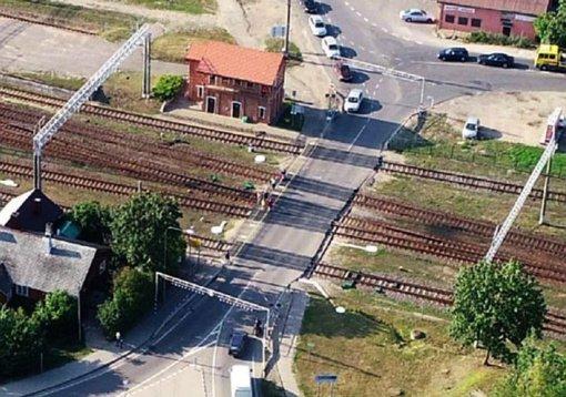 Laikinai bus uždaryta Lentvario geležinkelio pervaža