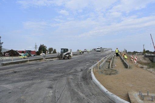 Dėl vykdomų viaduko statymo darbų Mažeikiuose bus ribojamas eismas