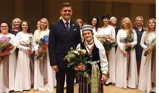 """Tauragės garbės ženklas """"Už nuopelnus Tauragės rajonui"""" įteiktas Nijolei Stankutei–Jautakienei"""