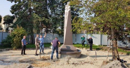 Žodis virto kūnu: paminklas partizanams – jau Senamiesčio skvere