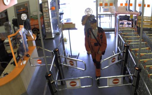 Kauno policija aiškinasi, kas iš parduotuvės pavogė įrankius