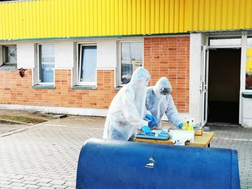 Radviliškiečiai ir rajono gyventojai kviečiami registruotis į mobilųjį COVID-19 patikros punktą Radviliškyje