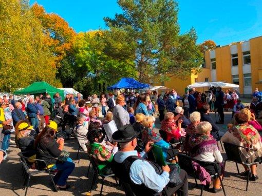 Sužionių derliaus šventė: daug rudens gėrybių, geros nuotakos ir skambios muzikos