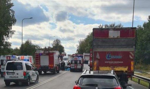 Avarijoje Kaune žuvo vienas žmogus, dar trys – sužeisti