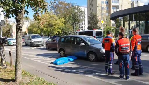 Vilniuje žuvo automobilio partrenktas vyras