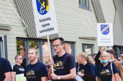 Iš Lietuvos seniūnijų sporto žaidynių Kėdainių seniūnai parsivežė nugalėtojų taures