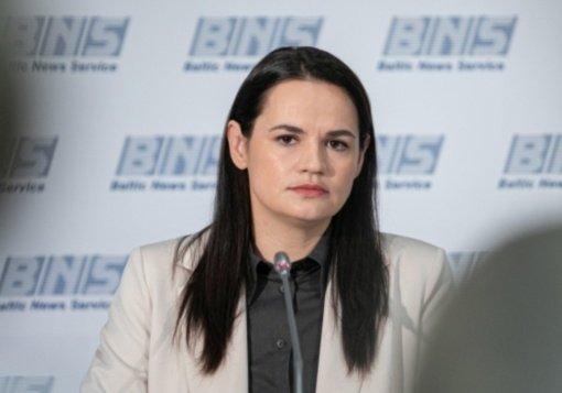 S. Cichanouskaja sako sulaukusi E. Macrono pažado padėti siekti derybų