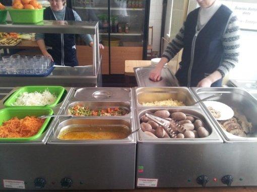 """""""Bruneros"""" į kampą spaudžia Kunigaikščio Gedimino progimnaziją: tęs maitinimą arba vaikai liks nevalgę"""