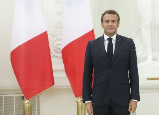 E. Macronui suteiktas VU garbės daktaro vardas