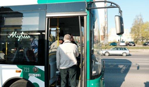 Tarptautinė pagyvenusių žmonių diena: senjorai Alytaus miesto viešuoju transportu važiuos už 1 centą