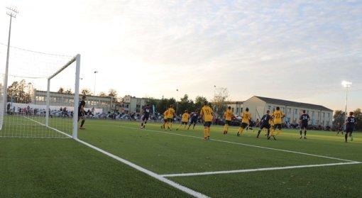 Naujame Garliavos stadione įmušti pirmieji įvarčiai