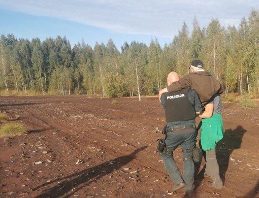 Kauno rajone pareigūnai išgelbėjo pasiklydusį senolį