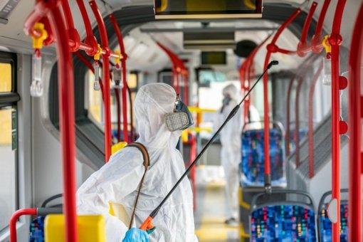 Vilnius keleivių saugumui aktyvina viešojo transporto dezinfekciją, keičiami tvarkaraščiai