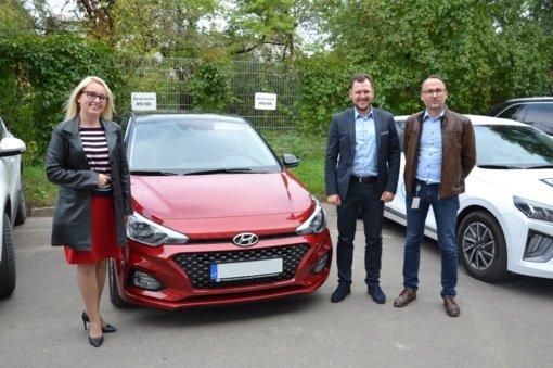 Vilniaus rajono šeimos ir vaiko krizių centro teikiamų paslaugų prieinamumo didinimui – naujas automobilis