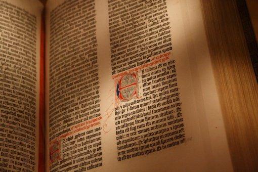 Gutenbergo Biblija - tarp vertingiausių knygų pasaulyje