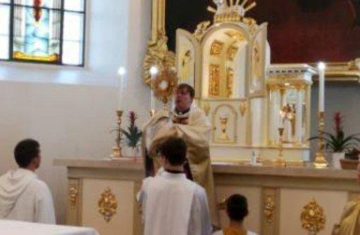 Mykolinių atlaidai Širvintų bažnyčioje