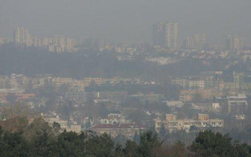 Dėl karantino ribojimų pernai sumažėjo oro tarša