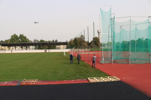 Sparčiai vyksta didžiausio Šiaulių rajono stadiono rekonstrukcija