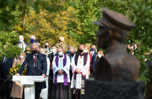 Prezidentas: Simboliška, kad paminklą partizanų vadui atidengiame po Mokytojo dienos
