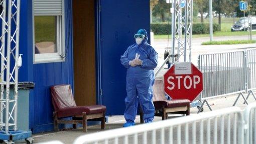 1 136 koronaviruso atvejai ir 13 mirčių: nerimą kelia besiplieskiantys židiniai