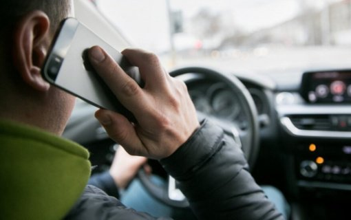Pareigūnai tikrins, kaip vairuotojai elgiasi prie vairo