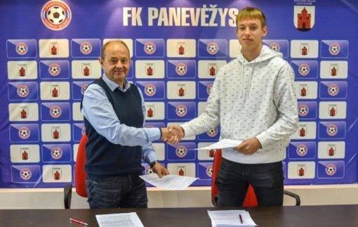 """FK """"Panevėžys"""" pasirašė sutartį su Matijumi Remeikiu"""