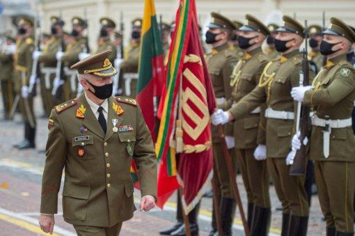Generolas majoras G. Zenkevičius po 29 metų tarnybos iškilmingos ceremonijos metu išleistas į atsargą