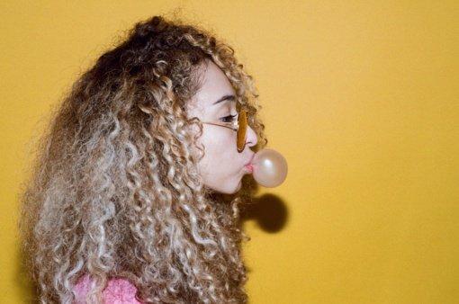 Ar norint neturėti veido raukšlių reikia atsisakyti kramtomosios gumos?