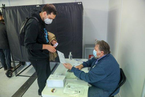 Iki penktadienio policija gavo 32 su rinkimais susijusius pranešimus, pradėti du tyrimai