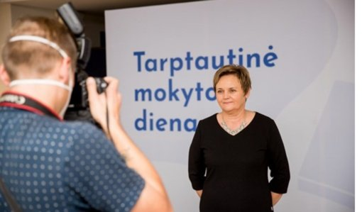 Lietuvių kalbos mokytojai ekspertei Ramutei Kežienei – Metų mokytojo premija