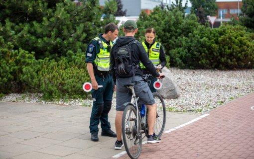 Per savaitę Klaipėdos pareigūnams įkliuvo du neblaivūs ir trys beteisiai vairuotojai, užfiksuoti 93 greičio viršijimo atvejai