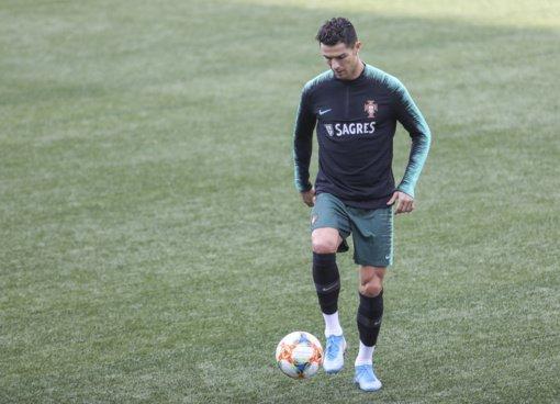 Futbolo žvaigždei Cristiano Ronaldo nustatyta COVID-19