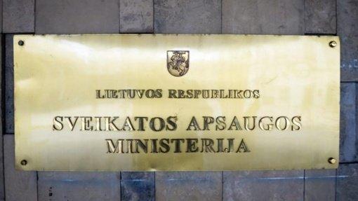 Ministrų pavaldinių algos buvo išaugusios daugiau nei vadovų