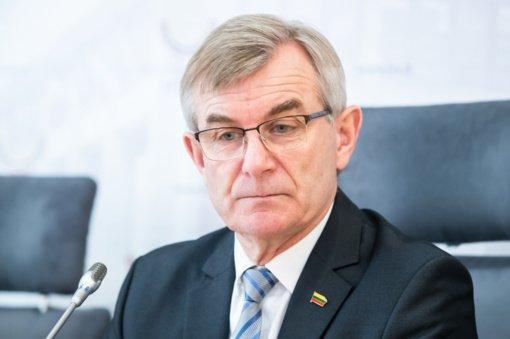 Seimo pirmininkui sunegalavus atšauktas susitikimas su prezidentu