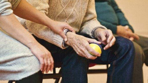Leista dirbti dienos socialinės globos paslaugą neįgaliems asmenims teikiančioms įstaigoms
