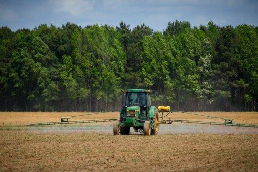 Ūkininkų traktorius remontavęs ir juos nelegaliai pardavęs šiaulietis bausmės neišvengs