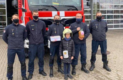 Sostinės ugniagesiai sulaukė padėkos už berniuko išgelbėjimą