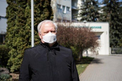 """Panevėžio ligoninės vadovas: """"COVID-19 infekcijos protrūkiai priklauso nuo kiekvieno iš mūsų"""""""