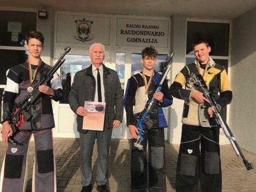 Lietuvos jaunučių kulkinio šaudymo čempionate Kauno rajono komanda iškovojo bronzos medalius
